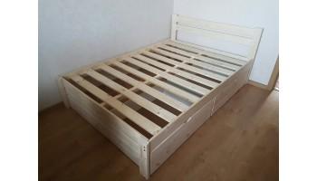 """Деревянная кровать """"Классик"""" с выдвижными ящиками и зашитым изножьем"""